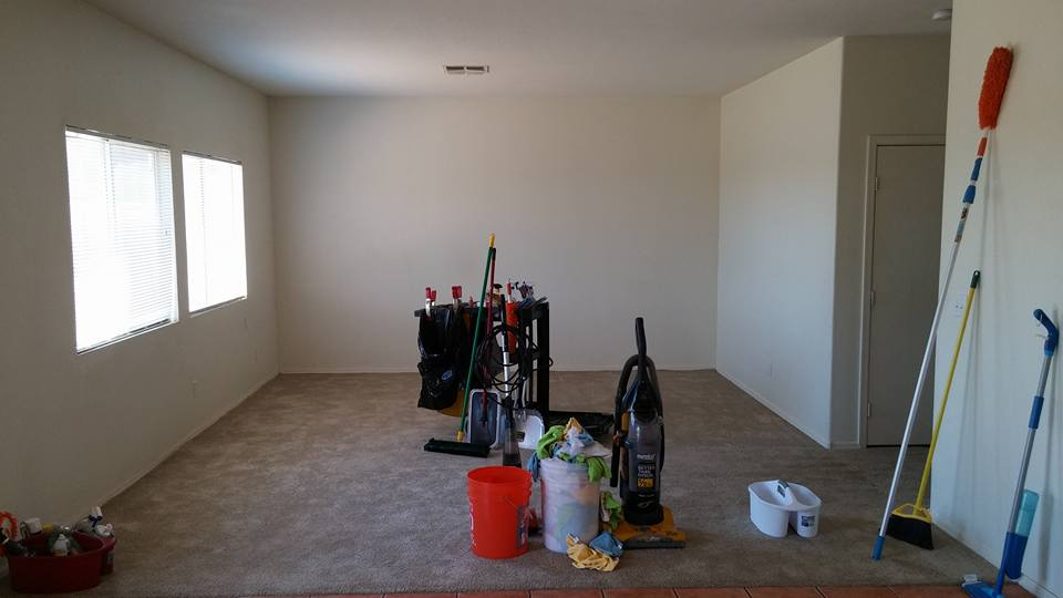 evicting a tenant and cleaning the phoenix rental property with professional cleaning company